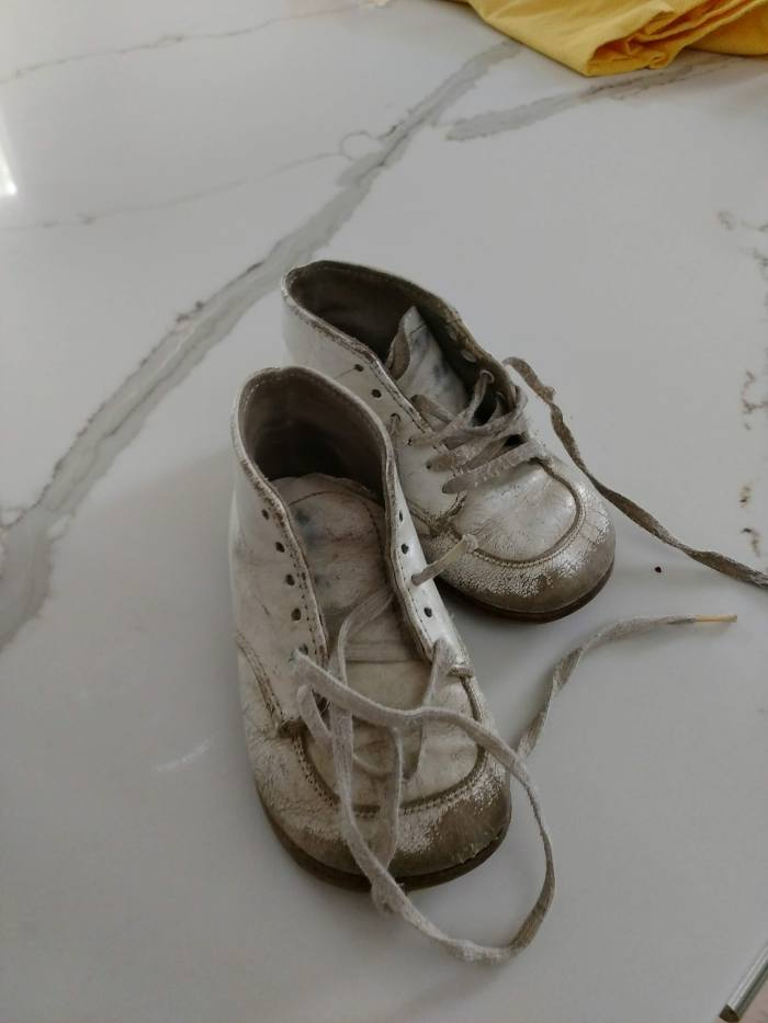 Refurbishing Vintage Baby Shoes with SPRAY PAINT for less than$4.00!!!