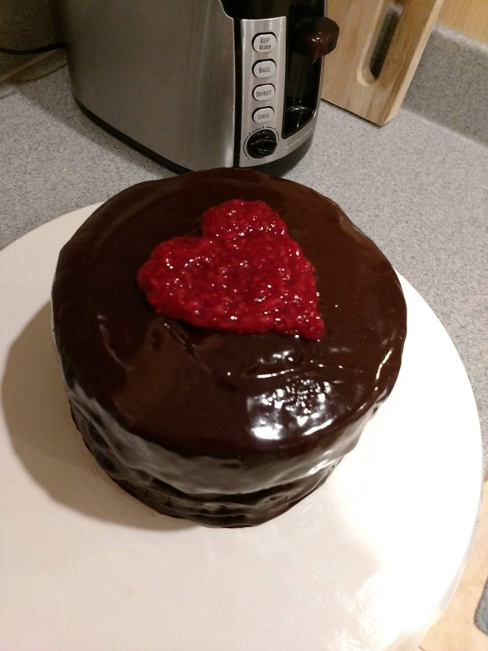SIMPLE MINI CHOCOLATE GANACHE CAKE FOR VALENTINE'S DAY!!!