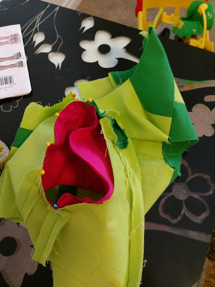SLEEVE TUTORIAL- Setting Sleeves in the Round Method,SEWING